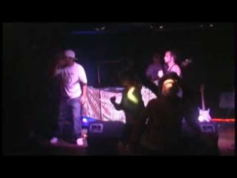 Unsung Mighty Few - Conscious Heads live.wmv