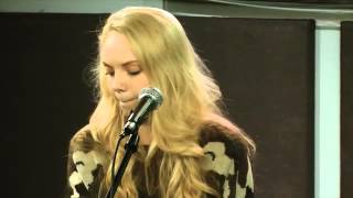 Danielle Bradbery 'Daughter Of A Working Man' acoustic A+ (new song)
