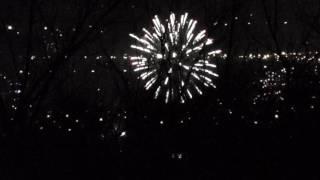 Новый год 2017 - вид на Алматы сидя на дереве в горах