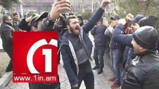 Եվս մեկ հեղափոխություն․ Ցուցարարները շամպայնով տոնեցին Մանվել Գրիգորյանին կալանավորելու որոշումը