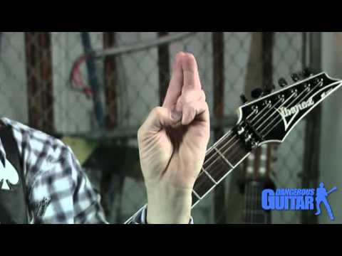 Online Guitar Lessons: Learn the best technique for fretting hand positions