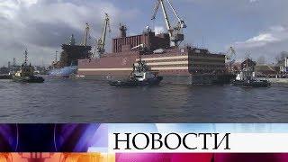 Первая в мире плавучая атомная теплоэлектростанция отправилась из Санкт-Петербурга в Мурманск.