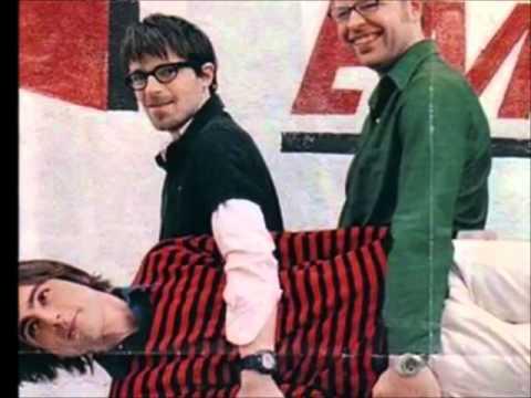 Weezer - Ruling Me