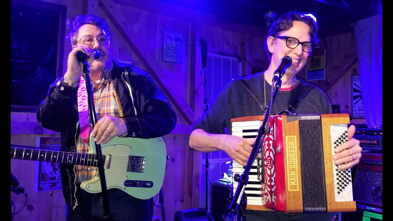 Indie Rock Icons They Might Be Giants Play in D.C.