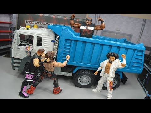 WWE FIGURE DUMP TRUCK PLAYSET!