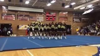 HSHS Cheerleaders - National Stomp and Shake Champions