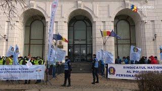 Sindicaliştii de la CNS Cartel Alfa au pichetat miercuri sediul Ministerului Finanţelor