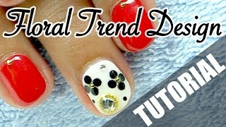 Black & White Jeweled Flower How-to Japanese Nail Art [English Subs] ホログラムお花デザイン