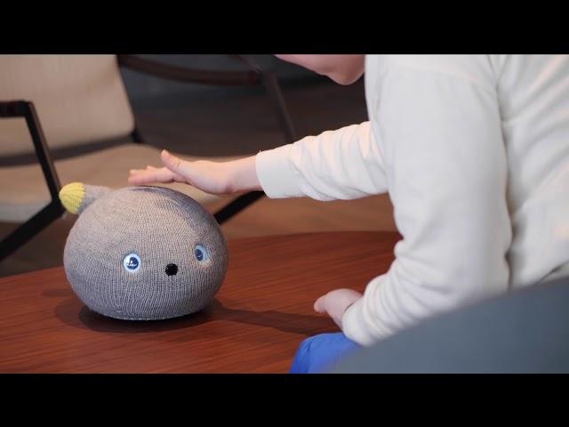 Panasonic выпустила умильного робота-компаньона, похожего на кота в носке