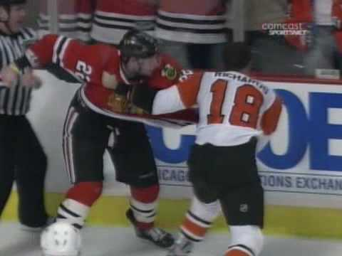 Troy Brouwer vs. Mike Richards