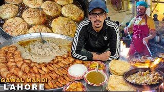 75 YEARS OLD LAHORI NASHTA, Butter Chicken Karahi - Pakistani Street Food in Lahore ft realme