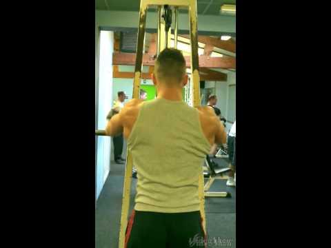 Les exercices totaux physiques pour tous les groupes des muscles