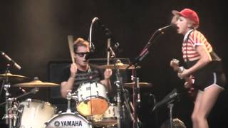 The Ting Tings - Give It Back -Les Ardentes 5 juillet 2012