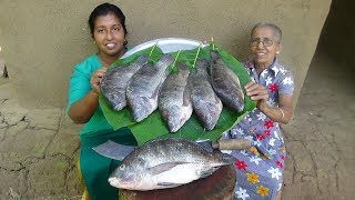 Fish Recipe ❤ Crispy Fried Tank Fish by Grandma & Daughter - Village Life