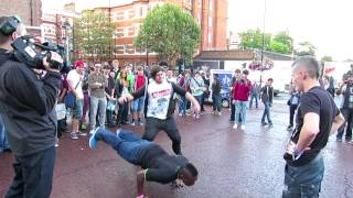 Syndicate vs. KSIOlajidebt Dance-Off Highlights @ Eurogamer 2012!