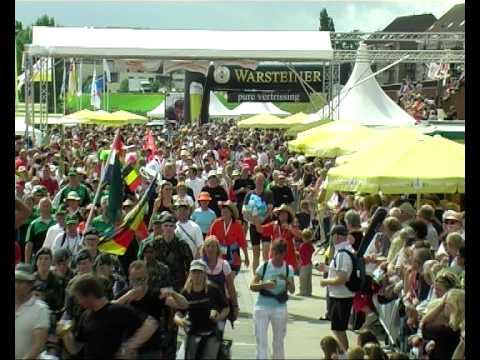 Vierdaagse van Nijmegen 2009 de dag van Cuijk The walk of the world