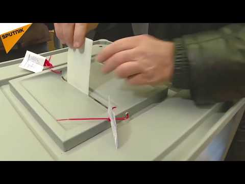 Russians Cast Ballots in 2018 Presidential Election