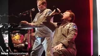 Devo Planet Earth (Live Los Angeles 2011)