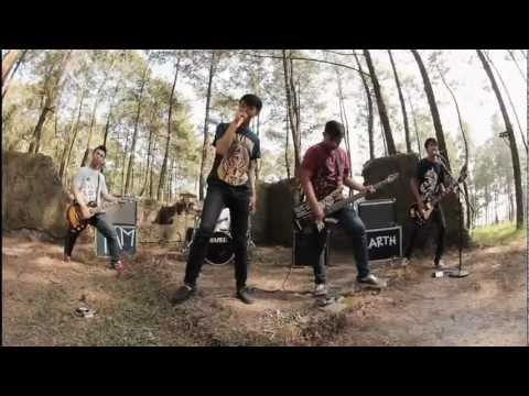 MINOR MIRROR - HANCURNYA DUNIA ( OFFICIAL MUSIC VIDEO )