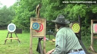 Kravaře:soutěž v hodu nožem a sekerou (12.5.2012)