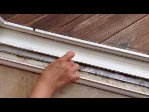 Πως να καθαρίσετε τις ράγες σε μπαλκονόπορτες και παράθυρα