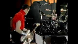 The Clash perform 'London Calling' (Live) - Fridays