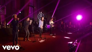 One Direction - FourFiveSeconds (Rihanna and Kanye West and Paul McCartney cover in the Live Lounge)