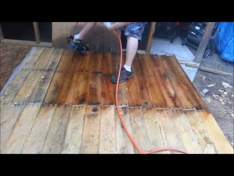 Video MOTOR OIL STAIN Shed from FREE pallets part 3