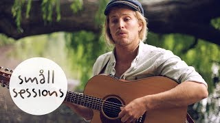 Ziggy Alberts   Runaway (acoustic) | Småll Sessions