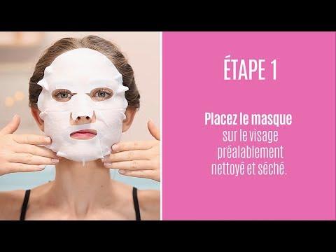 Les masques pour la peau sèche de la personne de loeuf