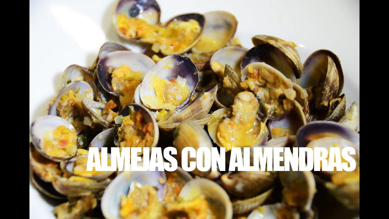 Almejas con Almendras