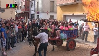 preview picture of video 'Pasacalle Sant Vicent 2014 - Nules (28/04/2014)'