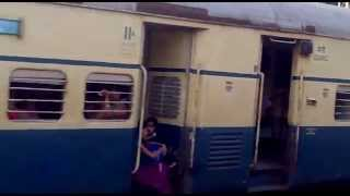 preview picture of video '12933 ADI bound Karnavati Express leaving Valsad (BL).mp4'