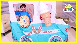 ryan-pretend-play-with-ice-cream-truck-food-toys