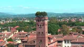 preview picture of video 'Beautiful view from Torre delle Ore Lucca on Lucca (La Torre dell' Orologio di Lucca)'