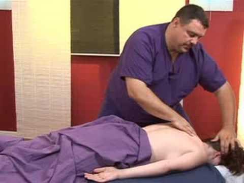 Les exercices sur fitbole pour tous les groupes des muscles