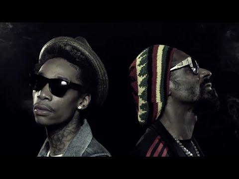 "Snoop Dogg & Wiz Khalifa ""French Inhale"""