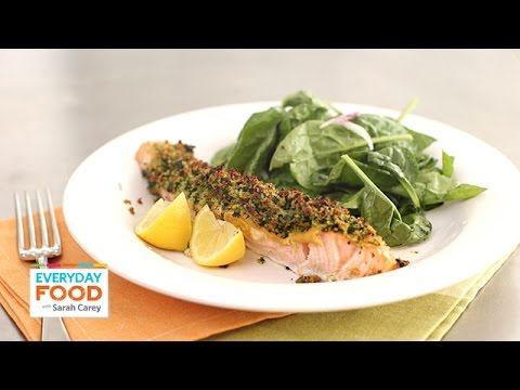 Herb-Crusted Salmon with Spinach Salad – Everyday Food with Sarah Carey