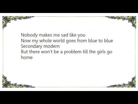 , title : 'Elvis Costello - Secondary Modern Lyrics'