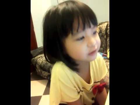 Bé gái 3 tuổi cover Dấu mưa cute max level
