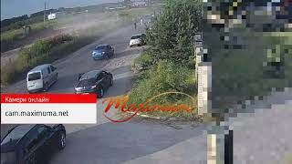 В лобовом столкновении под Киевом один человек погиб и 4 травмированы: видео момента ДТП