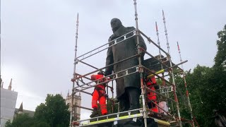video: Winston Churchill statue uncovered in time for Macron arrival