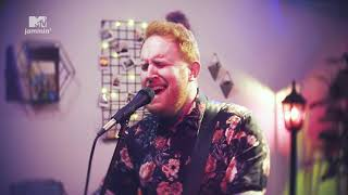 "Gavin James Performs A Beautiful Live Version Of ""Always"" (MTV Jammin')"