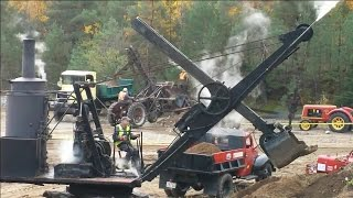 Steam Shovel with covers off, see inside.