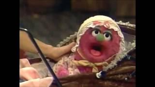 Classic Sesame Street - Gina & Telly Try To Cheer Up Natasha
