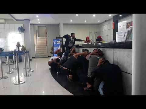 Perampokan di Kantor Cabang Bank BRI di Bone(Simulasi)
