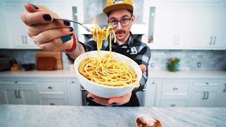 making lazy & easy pasta