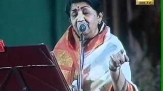 Lata Mangeshkar - Dil to pagal hai - YouTube