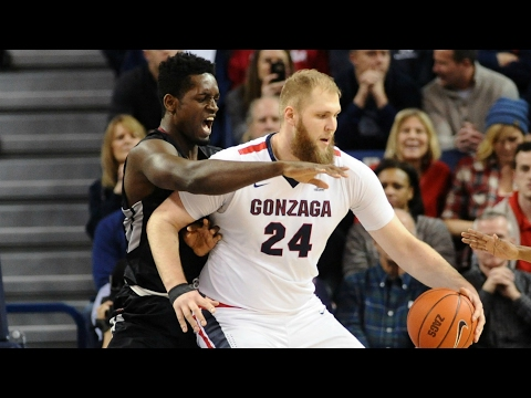 Przemek Karnowski Too Much Down Low vs. Santa Clara | CampusInsiders