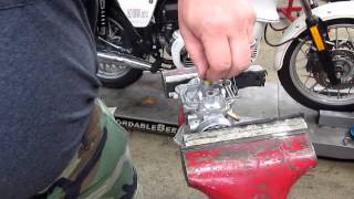 BMW Service - 1973 R75/5 Carb Assembly